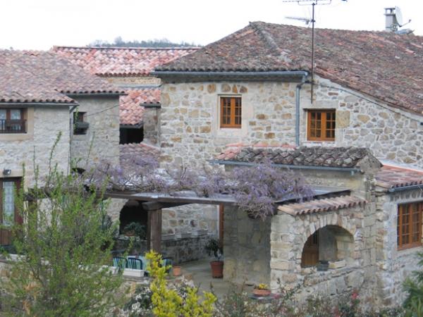 Village de Chassagnes, près de Les Vans