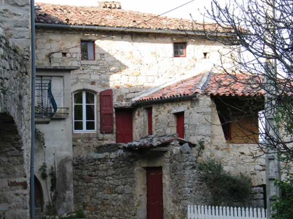 Village de Chassagnes, maisons accolées