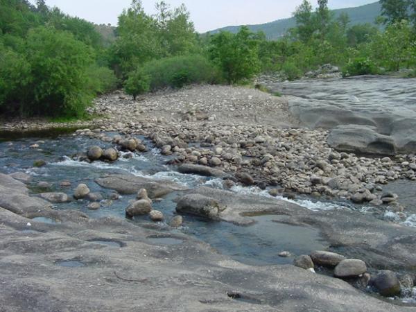 Le Nassier entre le pont et le barrage